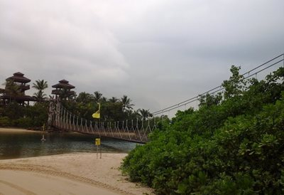 سنتوسا-پل-معلق-ساحل-سنتوسا-Floating-Bridge-at-Siloso-Beach-293650